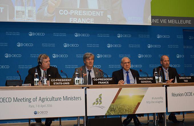Ministres et représentants de 46 nations différentes étaient rassemblés à l'OCDE pour la réunion ministérielle sur l'agriculture les 7 et 8 avril derniers. © M. Gagneux/Pixel image