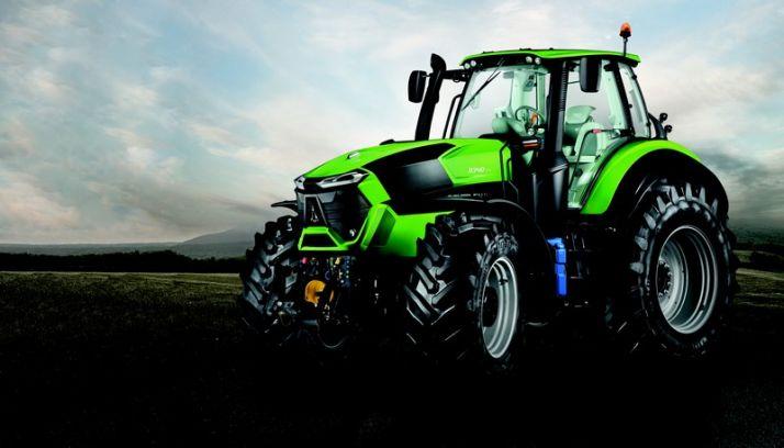 """Le 9340 TTV a reçu le """"golden tractor for the design"""". Photo : Deutz-Fahr"""