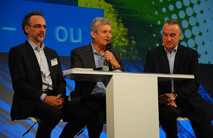 Au centre, Frank Garnier, président de Bayer et directeur général de Crop protection, lors de l'Université Bayer 2016. Photo : M