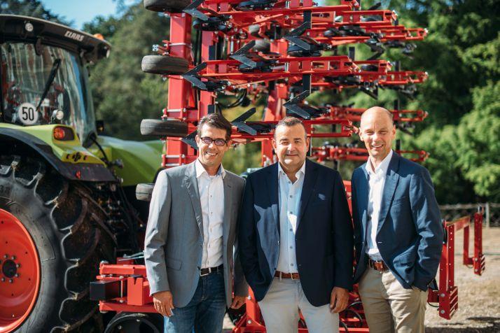 De gauche à droite : Klaas Veerman (ancien propriétaire de Steketee), Anthony Van Der Ley (Directeur Général Lemken) et Iljan Schouten (responsable de la protection des cultures chez Lemken).