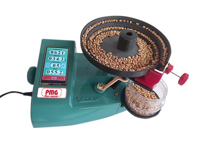 Le Fibercontrol de Godé évalue le PMG des grains en quelques minutes. Crédit photo : Godé