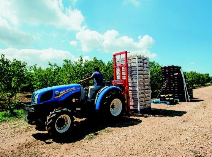 """Le T3f a reçu le prix du tracteur de l'année dans la catégorie """"tracteur spécialisé"""". Photo : NewHolland"""