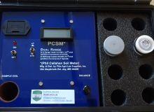 Le PCSM permet de mesurer le paramagnétisme d'un sol. Crédit photo : Claire Boisleux