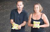 David et Émilie Blot ont choisi de produire du pop-corn à base de maïs et d'huile produits sur leur exploitation dans le sud Vienne. Photo : O.Lévêque/Pixel Image